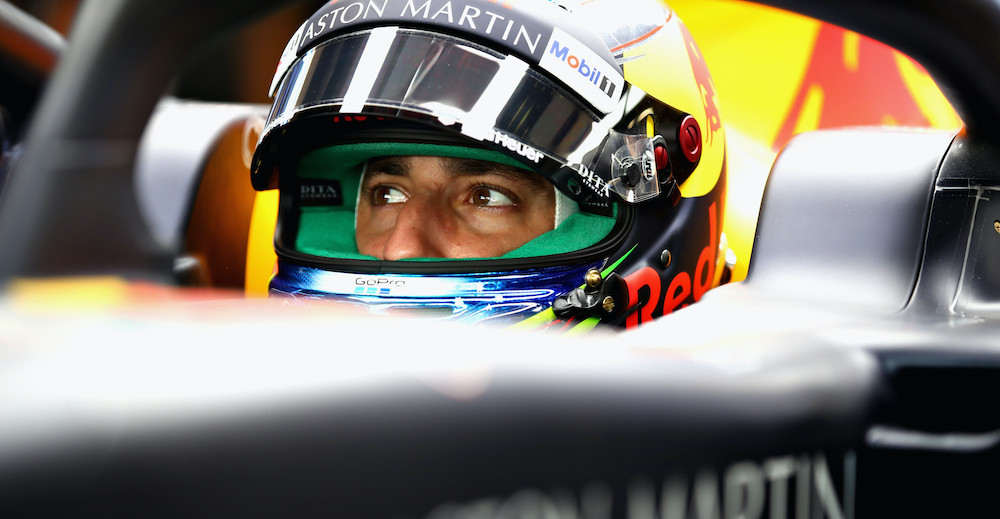 ABU DHABI, UNITED ARAB EMIRATES - NOVEMBER 23:  Daniel Ricciardo of Australia and Red Bull Racing prepares to drive in the garage during practice for the Abu Dhabi Formula One Grand Prix at Yas Marina Circuit on November 23, 2018 in Abu Dhabi, United Arab Emirates.  (Photo by Mark Thompson/Getty Images) // Getty Images / Red Bull Content Pool  // SI201811230188 // Usage for editorial use only //
