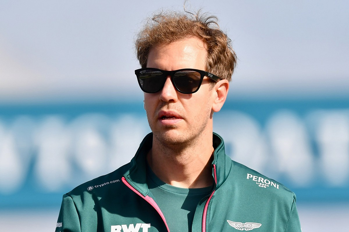 """Read more about the article Vettel: Too many races could stop F1 being """"special"""""""